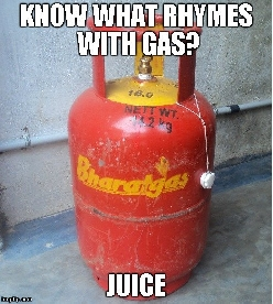 What rhymes with Gas?