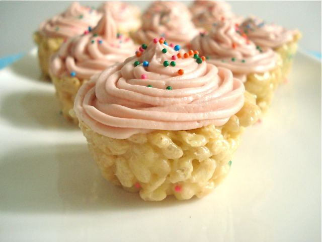 Baked from a Cake Mix: Cake Batter Rice Krispie Cupcakes✔ All you need is... 6 tbs margarine* (3/4 of a stick)  3/4 cup yellow cake mix  1/2 tsp vanilla extract  3 cups Rice Krispies  1/2 10oz bag of marshmallows (5oz)  1 tbs sprinkles   Buttercream Frost