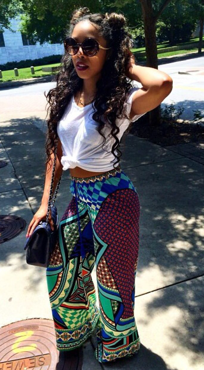 """Sometimes you have to get crazy with your patterns and take that risk. Take that risk and strut your style like this gorgeous gal. She's topping off the lazy yet sexy look with the """"bed head"""" look. yaaaaaaaas: Flare Pants, Dope Outfits, Palazz"""