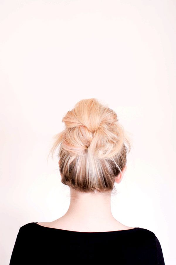 A messy bun with a twist! {via Sitting In Our Tree}: Cutehairstyles 3, Beautiful Hairstyles, Long Hair Do, Hair Style, Hairstyles Bun, Twist Hairstyles, Hair Color, Big Hairstyles