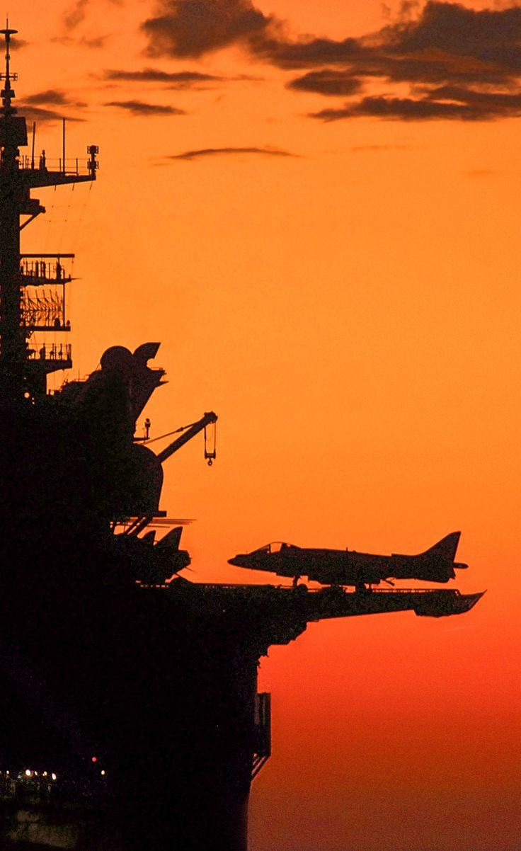 Aircraft carriers are amazing...even more amazing against the backdrop of the sunset.: Military Aircraft, Aircraft Military, Top Gun, Silhouette, Airplane, Ship, Posts, Aircraft Carriers