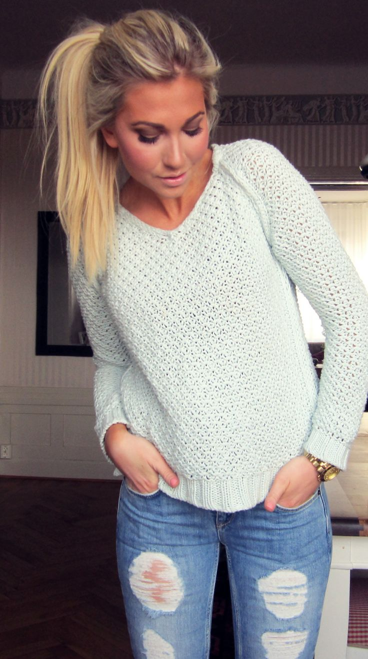 Comfy sweater, ripped jeans...cute casual look.......ready for fall!!!: Simple Outfit, Pony Tail, Ripped Jeans, Style, Dream Closet, Comfy Sweater, Hair Color, Fall Winter