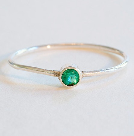 Emerald Ring...I love emeralds! Looks like the promise ring my ex husband gave to me in the 9th grade: Bling, Diamond Matching, Emeralds, Birthstone Promise Rings, Baby Girls, Emerald Rings, Diamond Halo, Carbide Rings