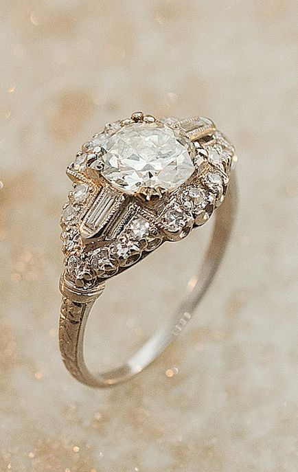 https://www.bkgjewelry.com/sapphire-ring/416-18k-yellow-gold-diamond-blue-sapphire-solitaire-ring.html Vintage diamond ring mama like: Vintage Diamond, Antique Rings, Diamond Rings, Rings Jewelry, Vintage Rings, Engagementrings, Wedding Rings, Art Deco, E