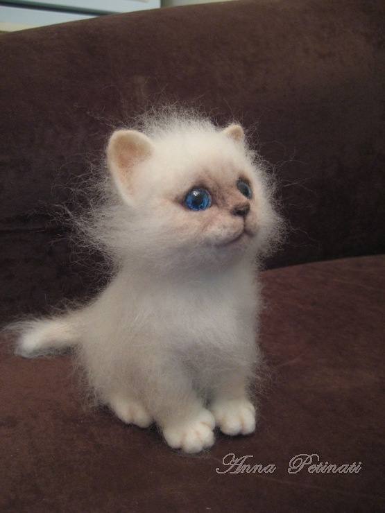 Inspiration: felted kitten by Anna Petinati. What!? I thought this was a real kitten at first. A master for sure.: Anna Petinati, Dolls, Gallery Ru, Cats Felted, Kittens, Needle Felting, Felted Kitten
