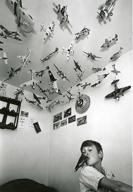 kiss me, kiss me - bill owens - Love the airplanes on the walls and ceiling: Photos, Kiss Me, Bill Owens, 1974, Kids Room, Boy, Photography