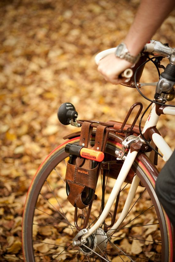 One day, when I have the bike of my dreams, I will throw lots of money at WalnutStudiolo to trick it out.: 5 5, Bicycles, 7 25, U Lock Holster, Bike U Lock, Locks, Leather Bike, Rack Mounted, Bicycle