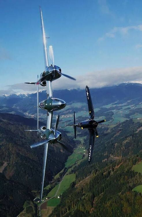 P38 with F4U. These are my most favorite planes ever.: Stuff, Air Force, F4U Corsair, Aircraft, Planes, P 38 Lightning