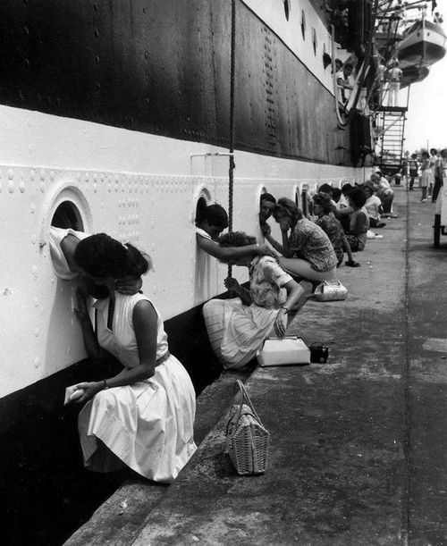 """""""The Last Kiss"""" WWII. - I'm only posting this bc of the idiot that said it was from WWII and the photo is dated 1963. Learn basic history people and then you won't look like an idiot!: Photos, Picture, Saying Goodbye, Amerigo Vespucci, Vin"""