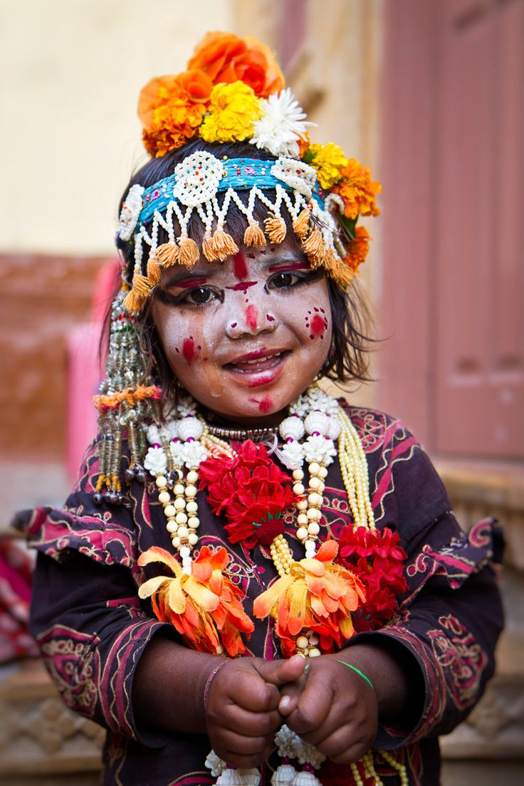 A young Indian gypsy girl in Jaisalmer, India: Face, Young Indian, Beautiful Children, Gypsy Girls, Indian Gypsy, Smile, Beautiful People, Culture