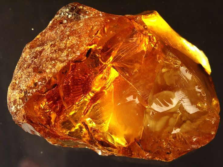 Amber – considered a master healing gemstone. Baltic amber absorbs negative energy which is turns into positive energy. It is used for its calming effects and as a healing stone for joint disorders, stomach ailments, and spleen and kidney problems. In pre
