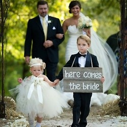 awwww: Wedding Ideas, Weddings, The Bride, Dream Wedding, Flowergirl, Flower Girls, Weddingideas