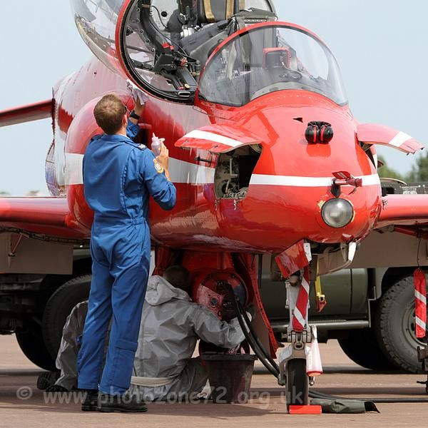 Red Arrow: Red Arrows, Red Plains, Aircraft