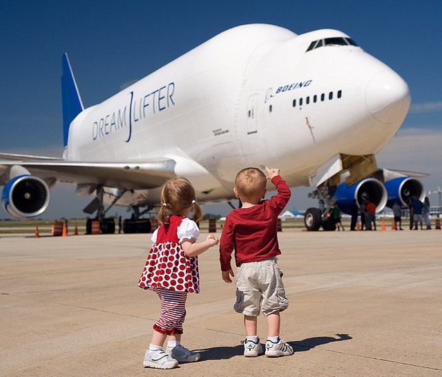 Children admire the 747 Dreamlifter. A Boeing photographer  took this photo during a family day at Boeing. This image reminds us that aviation remains full of wonder and magic.: Aviation, Airplanes Trains Station, 747 Dreamlifter, Plane Girl, Airplanes Ae