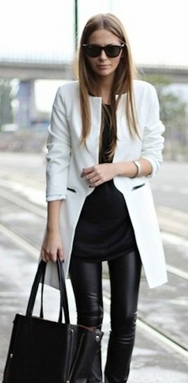 Fashion Week Packing Inspiration: Black and White: Fashion, Black And White, White Coats, Street Style, Outfit, Black White, Fall Winter