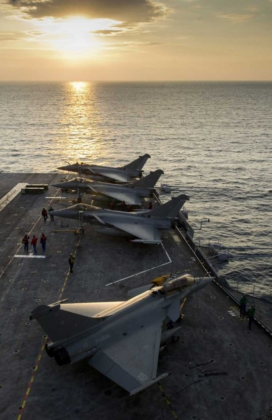 Rafales on Charles de Gaulle CVN: Airplanes Airplanes, Flight, Military Aircraft, French Airplanes, Aircraft Carrier, Aircraft, French Navy