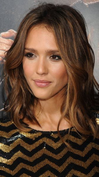 "The Insider's Secrets To The Perfect 'Lob' Hairstyle - Crushing on Jessica Alba's ""Lob"", the long bob perfected.: Hairstyles, Hair Styles, Hair Cut, Medium Hair, Jessica Alba, Long Bobs, Haircut, Hair Color"