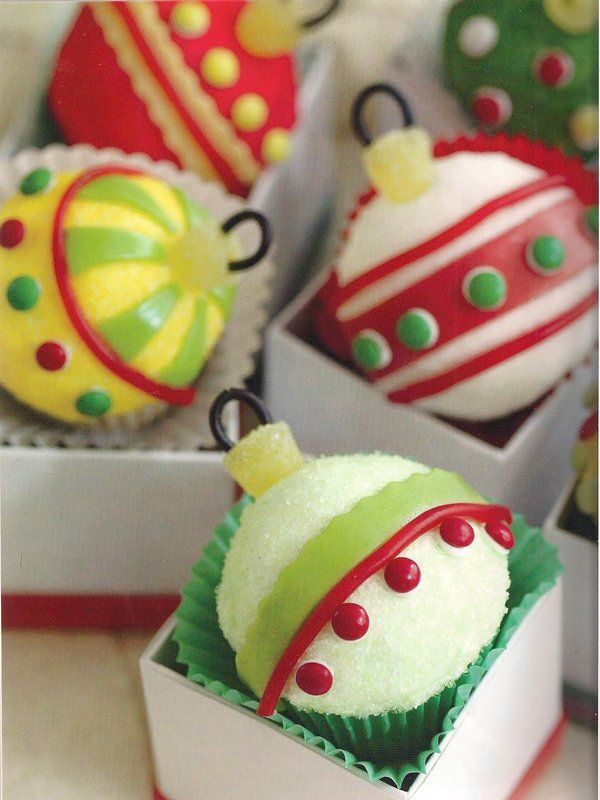 Christmas ornament cupcakes! How adorable are these?!?!!: Holiday, Christmas Food, Idea, Cup Cake, Christmas Cupcakes, Ornaments, Christmas Ornament, Ornament Cupcakes