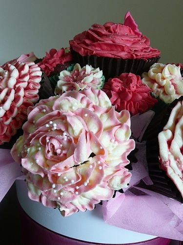 It floors me how decorative they can make some cupcakes...Cupcakes Take The Cake: September 2010: Beautiful Cupcakes, Cupcake Bouquets, Cupcakes Bouquets, Wedding Cupcakes, Rose Cupcakes, Cup Cake, Flower Cupcakes, Beautiful Rose