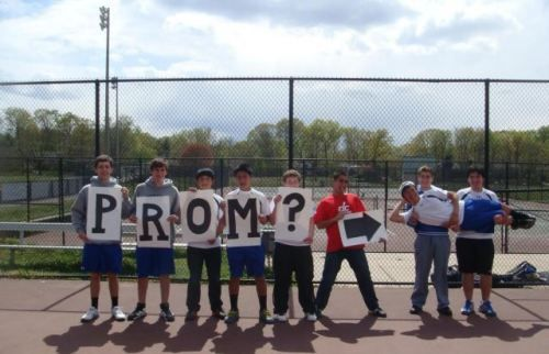 okay, i love this, a lot.: Awh 3, Creative Guys, Cute Ideas, Wingman Level, Be Creative, Things, Promposal, Adorable 3