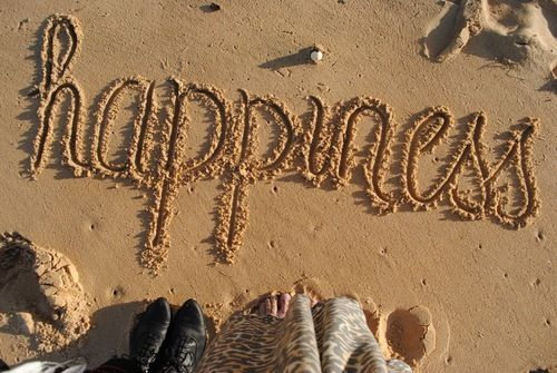 The prettiest sand writing I've ever seen: Beaches, Happiness Is, Life, Quotes, Happy, Summertime, The Beach