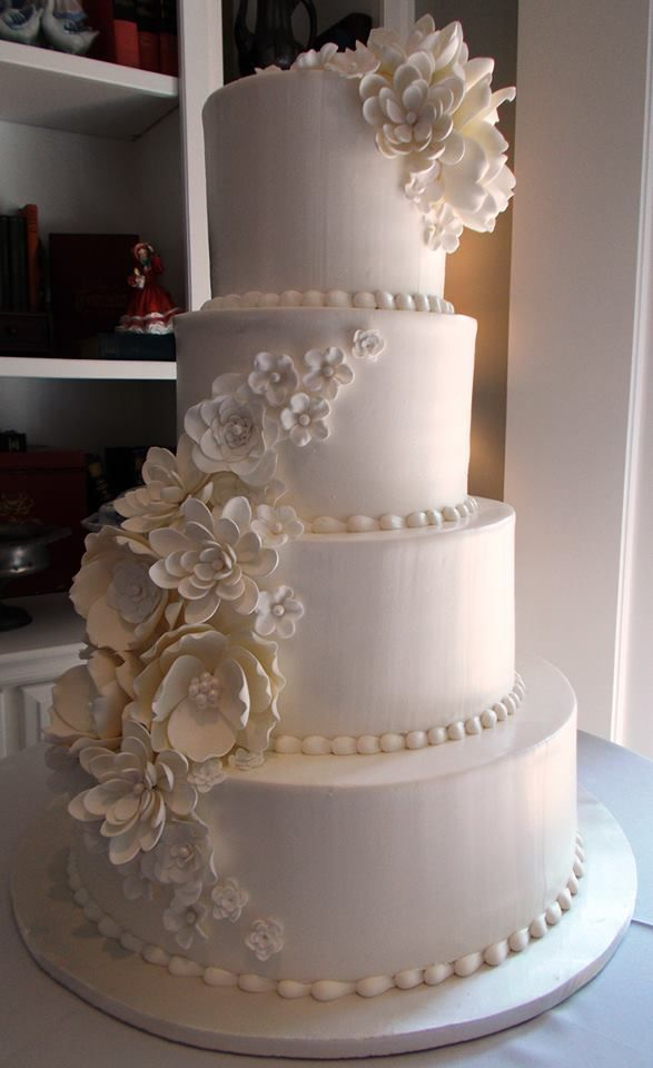 Daily Wedding Cake Inspiration (New!). To see more: http://www.modwedding.com/2014/07/22/daily-wedding-cake-inspiration-new-3/ #wedding #weddings #wedding_cake Wedding Cake: Frosted Art: Classic Wedding Cake, Gorgeous Wedding Cake, Beautiful Wedding Cake,