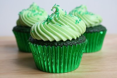 """Moist and fluffy"" green velvet cupcakes with cream cheese frosting.: Sweet, Food, Green Cupcakes, Velvet Cupcakes, St Patricks, Dessert, Green Velvet"