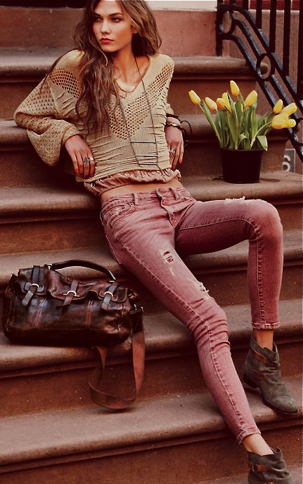 The only thing that makes Free People better is Karli Kloss in Free People.: Sweater, Fashion, Karlie Kloss, Clothes, Street Style, Outfit, Jeans, Free People, Wear