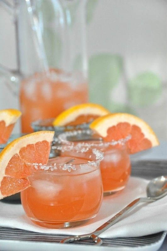 1/4 cup pink grapefruit 1.5 oz vodka 1 tsp pomegranate liqueur 1 tsp simple sugar juice of 1/4 lime 1 wedge of grapefruit for garnish swirl a slice of grapefruit over the rim of each glass, dip in salt, fill with ice & set aside combine ingredients in