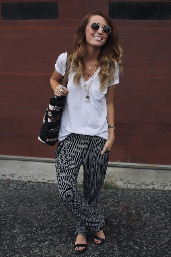 remember when I said that I would never ever ever wear harem pants?: Traveling Outfit, Baggy Pants, Boho Chic Outfits Spring, Spring Summer, Street Styles, Slouchy Pants, Harem Pants Outfit, Style Fashion