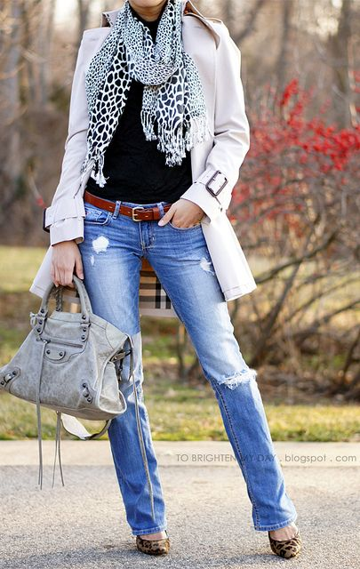 Love the distressed jeans, scarf and trench! Perfect fall outfit!: Ripped Jeans, Distressed Jeans, Trenchcoat, Fall Outfits, Fall Fashion, Animal Prints, Scarfs, Trench Coats, Fall Winter