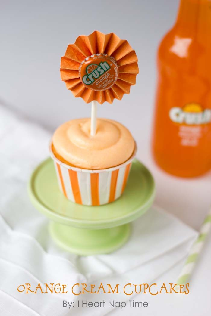 Orange crush cupcakes with JELLO topped with creamsicle frosting! These are to die for!  #cupcakes: Orange Cream, Cupcake Recipe, Cream Cupcakes, Creamsicle Frosting, Cup Cake, Crush Cupcakes, Delicious Orange, Cupcakes Topped, Orange Crush