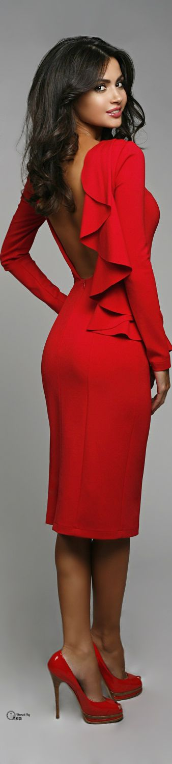 Great red dress: Red Dresses For A Wedding, Sexy Red Dress Fashion, Gorgeous Red, High Red, Dresses To Wear To A Wedding, Ravishing Red, Long Sleeve Dresses