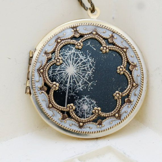 Lockets...love the way the dandelions in this imitate the look of lace... lovely and delicate.: Locketdandelions Locketphoto, Gift Locket, Locket Photo Locket Wedding, Bridesmaid Gifts, Locketbrass Locketdandelions, Locket Dandelions Locket Photo, Locket