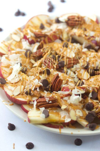"Apple ""Nachos"" - a sweet fruity twist on game day fare! #HealthBowl: Chocolate Chips, Sweet Treats, Apple Nachos, Recipes, Sweet Tooth, Apples, Food Fruit, Peanut Butter"