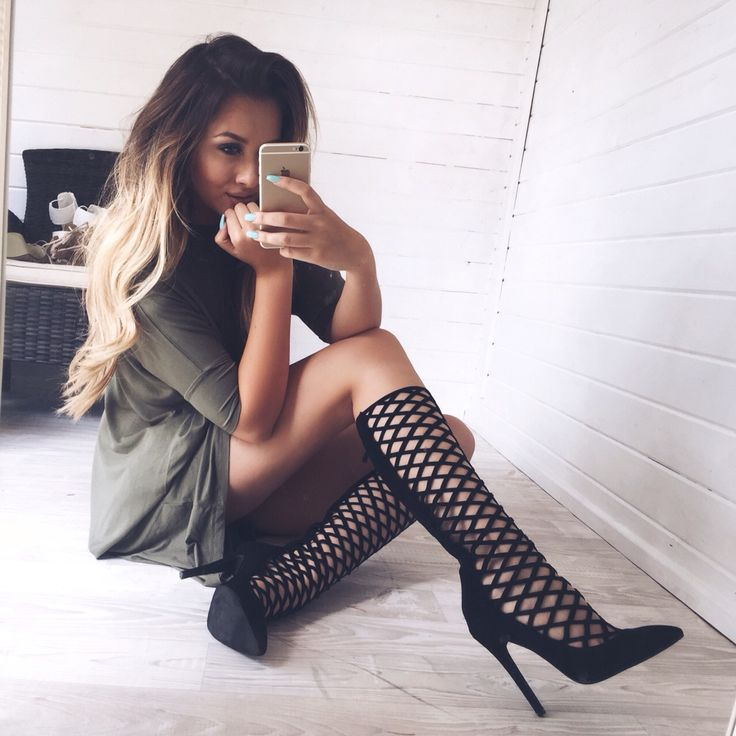 Pinterest: Nuggwifee☽ ☼☾: Fashion, Hair Styles, Cinderella Shoes, High Heels, Boots, Boot Heels, Pinterest, Shoes Heels, Bags Shoes