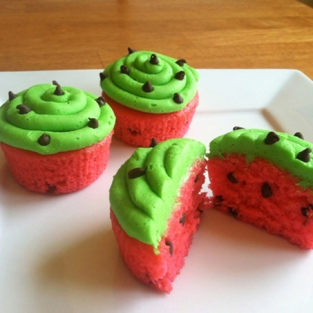 Watermelon cupcakes. Even though I don't like cake, I want to make these because they look so cute.: Watermelon Cupcakes, Cake Recipe, Idea, Watermeloncupcakes, Sweet, Food, Cup Cake, Dessert