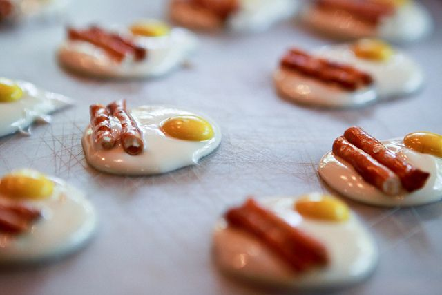 White chocolate, yellow m and Pretzels...eggs & bacon!  You could make these green for a Dr Seuss party.: Fun Recipes, Eggs, Chocolates, Food, White Chocolate, Pretzel Sticks, Yellow, Favorite Recipes, Pretzels