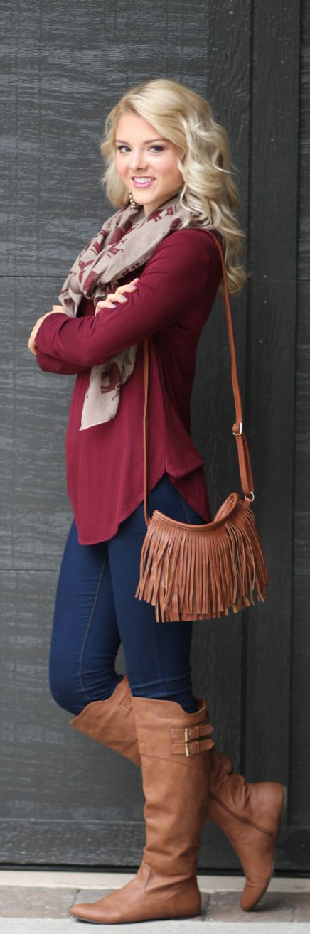Admirable fall outfit. Burgundy and brown colors create a wonderfull combination: Burgundy Outfit Idea, Womens Fall Outfit, Fall Style, Maroon Outfit, Womens Winter Fashion Outfit, Brown Boot Outfit, Fall Fashion Outfit, Fall Purse, Brown Boots Outfit