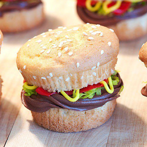 #cupcake burger what a great idea - think Homer #simpsons will like these cupcakes don't you think ?: Sweet, Recipe, Food, Hamburger Cupcakes, Burgers, Cup Cake, Party Ideas, Dessert