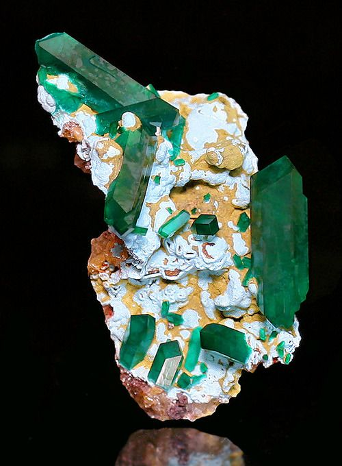 Dioptase on Shattuckite - Namibia / Mineral Friends <3: Precious Stones, Crystals Gems, Crystals Minerals Gemstones, Gems Minerals, Gemstones Minerals, Gemstones Crystals Minerals, Rocks Minerals, Shattuckite Covered, Mineral Friends