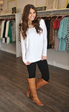 long white top. Where do I find these!!??: Easy Fall Outfit, White Shirt Outfit, Fall Style, Leggings And Tunic, Tunic Sweater, Fall Outfits, Winter White Outfit
