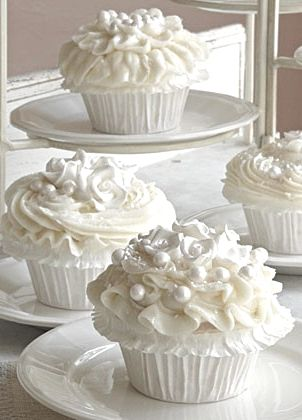With Silver/Grey paper cups! Maybe some silver edible balls?: White Wedding, Wedding Ideas, Weddings, Wedding Cupcakes, Wedding Cakes, Weddingcupcakes, Cup Cake, Weddingcake