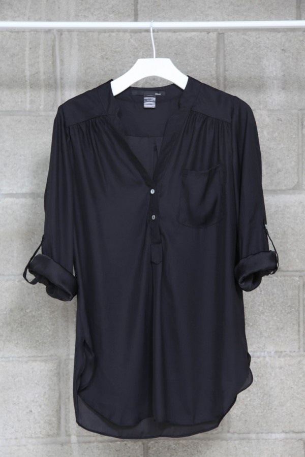 Black roll up blouse; pair this up with some hot pants and kille hees and can you say DANG GIRL. Or boot cut jeans with some cowboy boot and you give country a new look ;): Blouses, Idea, Fashion, Style, Basic, Wardrobe, Closet, Black Blouse