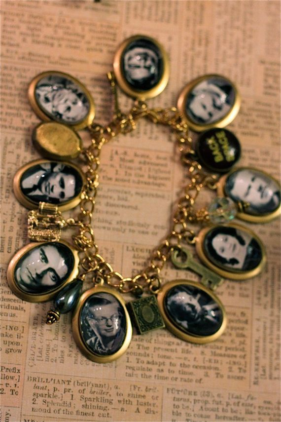 Stars of the short story charm bracelet. Wow . Just wow.: Photos, Bracelet |, Charm Bracelets, Photo Charms, Craft Ideas, Bracelets Just