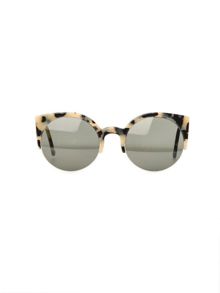 This black and white exaggerated tortoiseshell is perfection! Such striking cat eye sunglasses.: Super Lucia, Sunglasses Cheap, Sunglasses Fashion, Cat Eyes, Lucia Sunglasses, Oakley Sunglasses, Fashion 2015, Ray Ban Sunglasses, Cat Eye Sunglasses