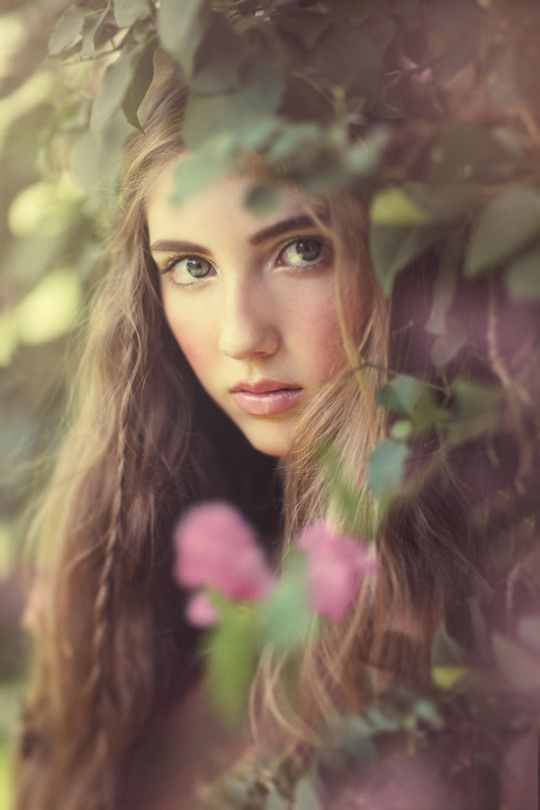 Dede character doesn't really change she is really timid. She felt as if you follow the rules you won't get into any trouble and she doesn't really question authority she follows what makes say.: Ideas, Face, Senior Pictures, Girl, Emily Soto,