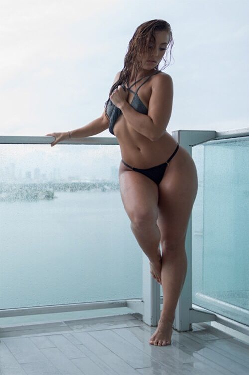 Hookup artists are f***ing hundreds of girls on these sites and they don't want you to know about them. Join in and STEAL THEIR JOB!: Nice Curves, Curves Ahead, Stuff, Fitness, Beautiful, Hips And Curves, Women, Sexy Curves, Nicole Mejia