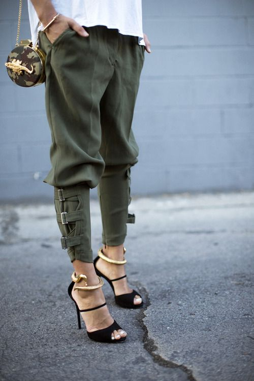 military green pants + heels http://rstyle.me/n/v3wc24ni6