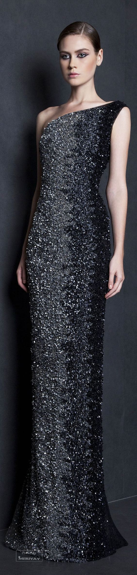 Tony Ward Spring-summer 2015. http://www.wedding-dressuk.co.uk/prom-dresses-uk63_1